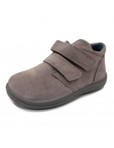 PRIMIGI baby shoes in gray...